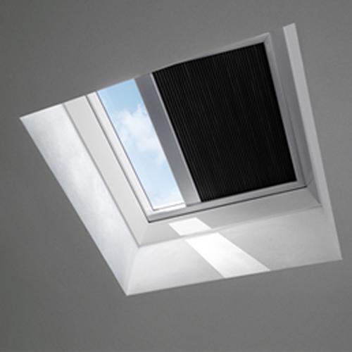 store velux obscurcissant fsk pour fen tre de toit plat 60 x 60cm fsk1047 acheter au meilleur prix. Black Bedroom Furniture Sets. Home Design Ideas