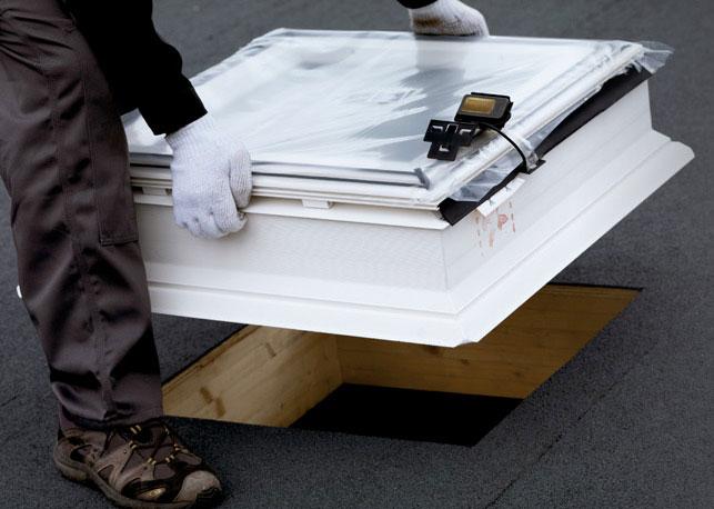 fen tre de toit velux pour toiture plate 80x80cm fixe cfp0073q acheter au meilleur prix. Black Bedroom Furniture Sets. Home Design Ideas